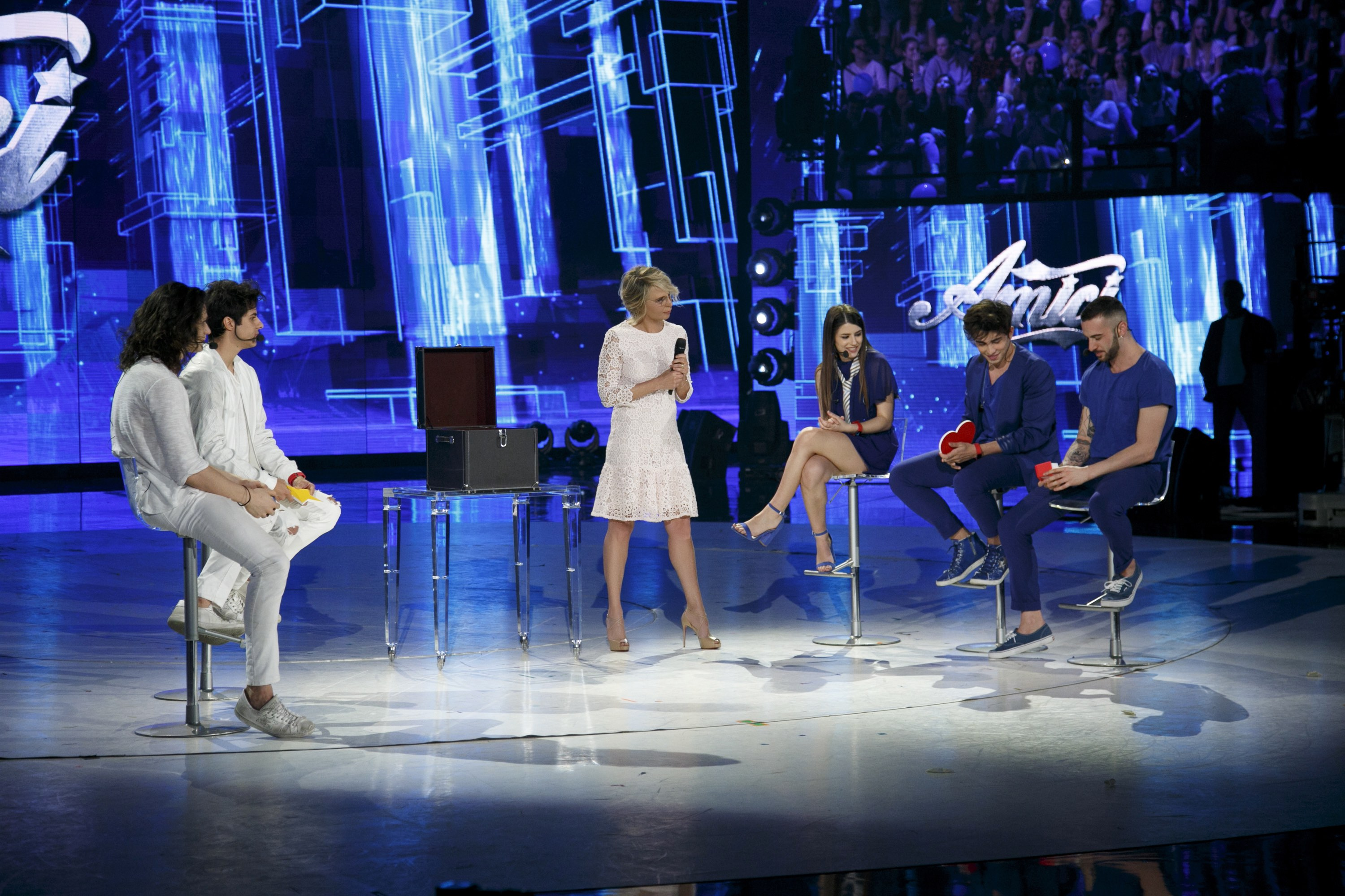 Amici 16, Mike Bird eliminato: il dolce gesto di Emma Marrone